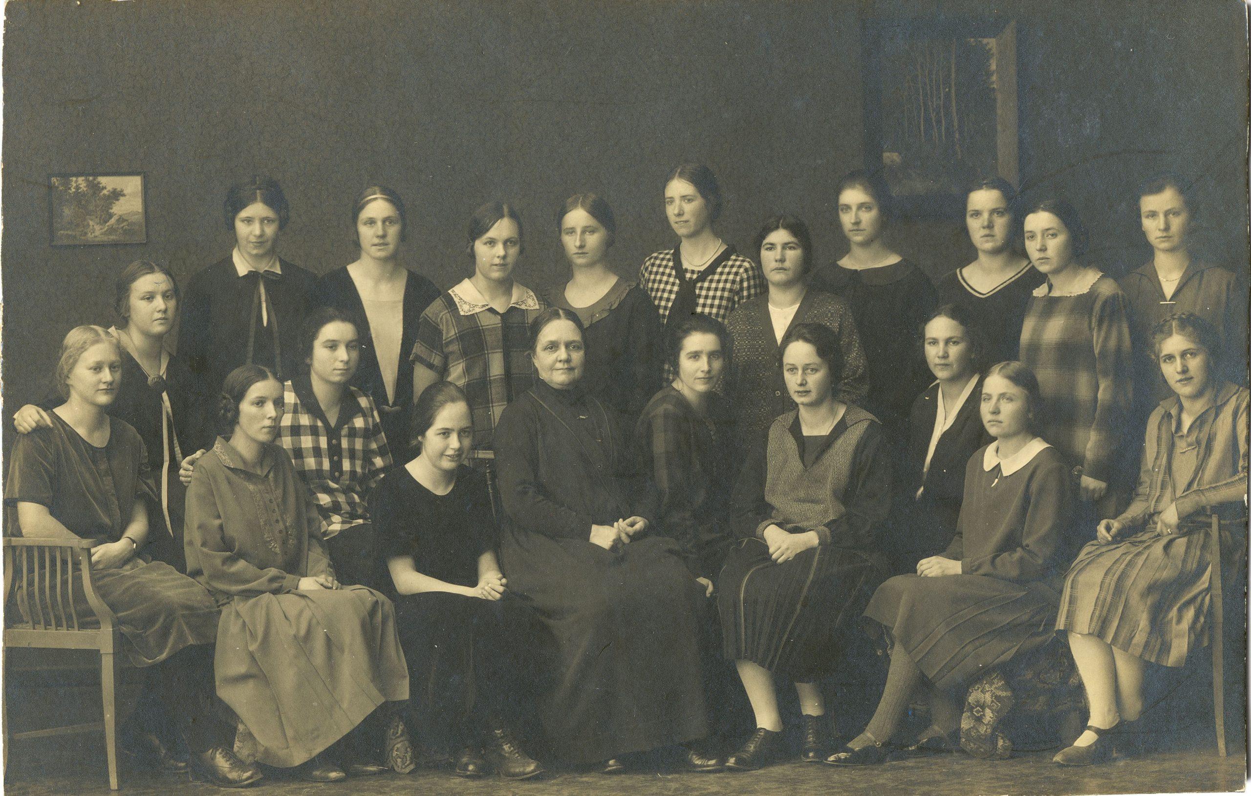 Klassenfoto Lehrerinnenseminar NMS 1927